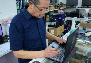 Ricky Tan 2nd Hand Laptop Repair Trade In Sell